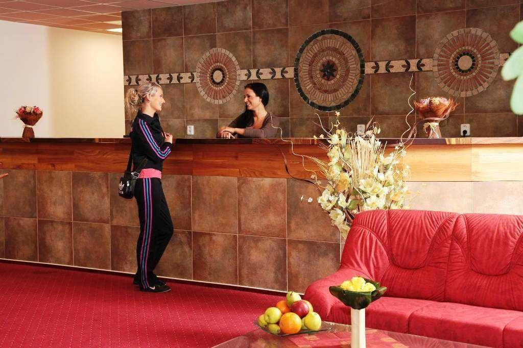 Wellness Hotel Lužan - Rezeption